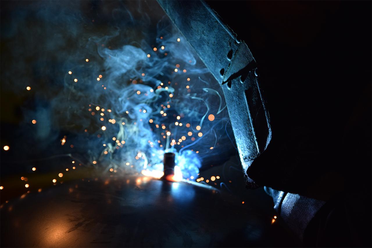 Saldatura azienda metalmeccanica, riscaldamento, condizionamento